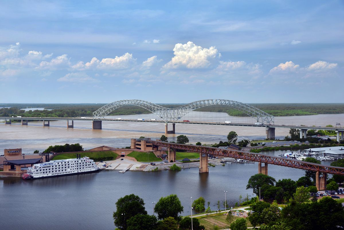Hernando de Soto Bridge in Memphis